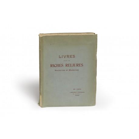 Livres dans de riches reliures des XVIe, XVIIe, XVIIIe et XIXe siècles